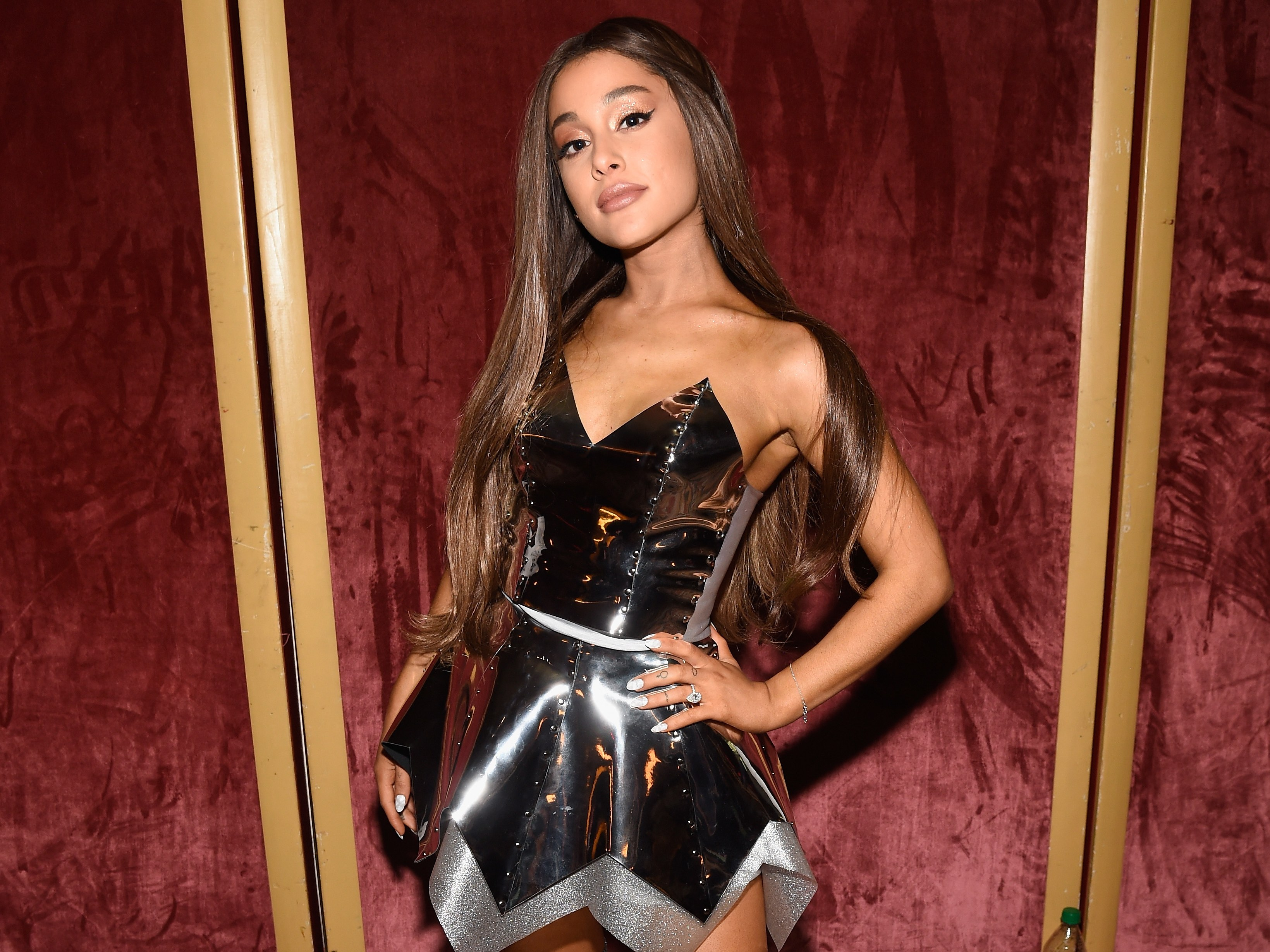 Ariana Grande Hair Down At Mtv Awards, 2018