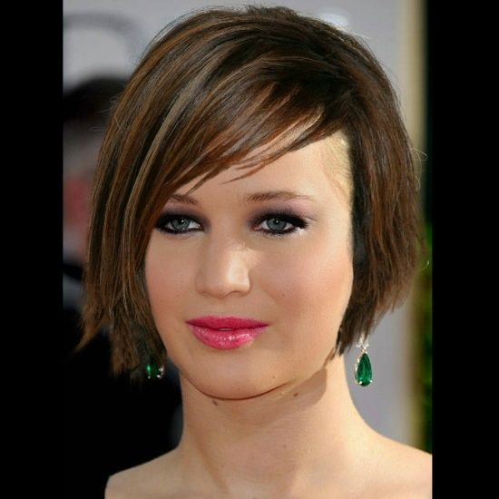 Brown Short Bob With Deep Side Part Bangs