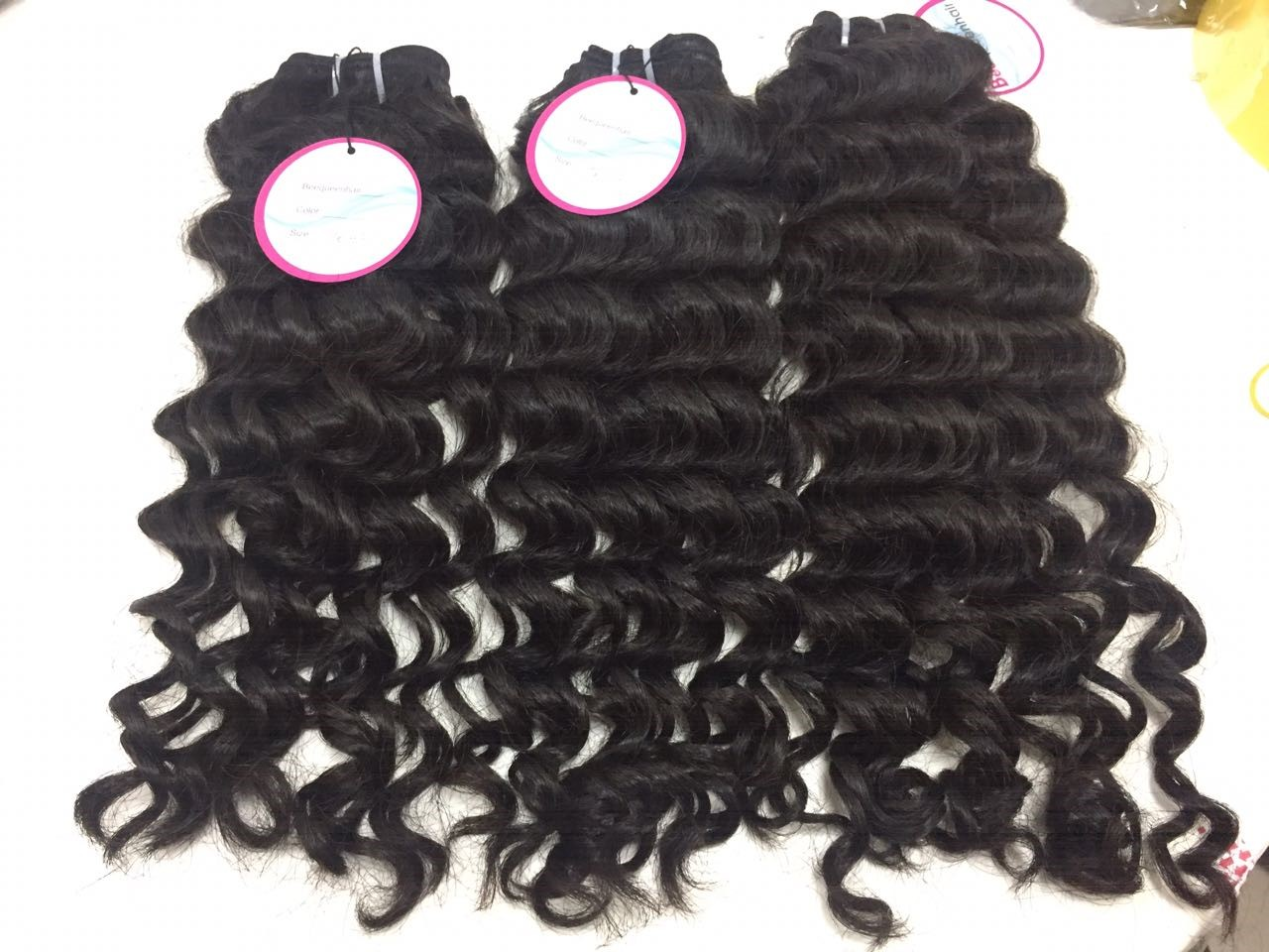 Excellent Quality Of 28 Inch Wavy Weaves