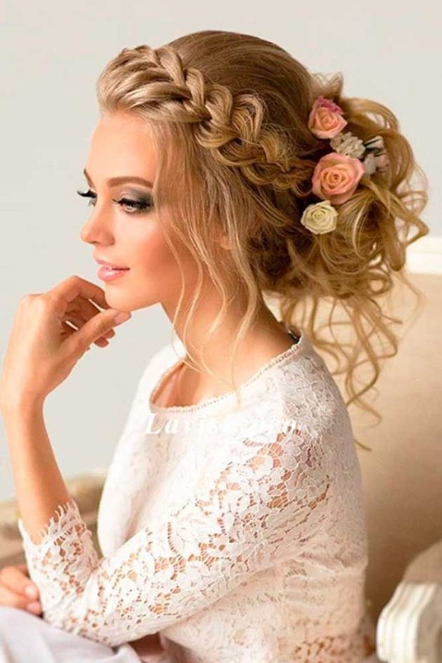 Trendy Greek Wedding Hairstyle